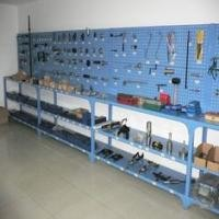Hardware Pegboard Tool Rack Display Stand 250 Kgs Per Layer Stainless Steel